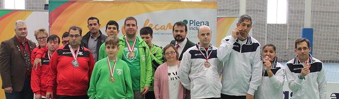 Entrega de trofeos del XXI Campeonato Regional de Natación, celebrado en el Complejo Deportivo 'Juan de Toledo' de Albacete