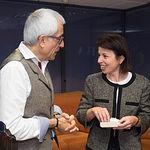 Reyes Estévez, consejera de Educación, Cultura y Deportes de la Junta de Comunidades de Castilla-la Mancha, junto a Manuel Lozano, director del Grupo Multimedia de Comunicación La Cerca.