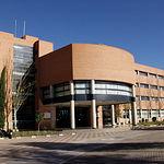 Edificio de la Facultad de Derecho y de Ciencias Económicas y Empresariales en el Campus Universitario de Albacete.