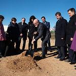 Colocación de la primera piedra del futuro Centro de Educación Infantil y Primaria (CEIP) número 36 de Albacete
