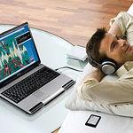 Según una encuesta realizada entre enero y febrero de 2007, el 46,3% de los hogares de CLM disponía de ordenador.