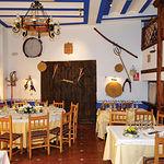 La impronta manchega está reflejada en los distintos salones del restaurante Nuestro Bar.