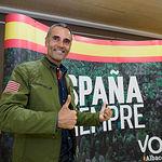 El candidato de VOX por Albacete durante el recuento de las votaciones de las Elecciones Generales 10N. Foto: Manuel Lozano Garcia / La Cerca