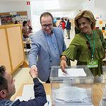 Delfín Córcoles, candidato de Vox a la alcaldía de Albacete, ejerce su derecho al voto en las Elecciones Europeas, Autonómicas y Municipales del 26M de 2019