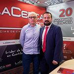 Juan Ramón Amores, director general de Juventud y Deporte en funciones de la JCCM, junto al director del Grupo Multimedia de Comunicación La Cerca, Manuel Lozano Serna