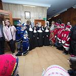 Los Reyes Magos de Oriente durante su visita al Asilo San Antón de Albacete