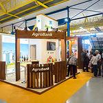 Stand de La Caixa Agrobank en Expovicaman