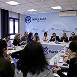 El presidente del Partido Popular de Castilla-La Mancha, Paco Núñez, ha presidido, junto a la vicesecretaria de Organización del Partido Popular, Ana Beltrán, el Comité de Dirección del PP de Cuenca.