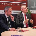 Juan Pedro Bonilla, director de El Corte Inglés de Albacete, junto a Víctor Hernández, director de Relaciones Institucionales de El Corte Inglés de Albacete
