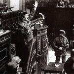 Antonio Tejero durante el intento de golpe de Estado el 23 de febrero de 1981. Foto de archivo.