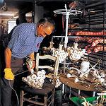 El ajo constituye una gran fuente de riqueza para muchos habitantes de Castilla-La Mancha.