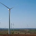 Los molinos eólicos suponen una jugosa fuente de ingresos para El Bonillo.