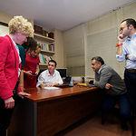 Candidatos y miembros del PSOE de Albacete durante el recuento de las votaciones de las Elecciones Generales 10N. Foto: Manuel Lozano Garcia / La Cerca