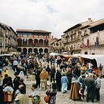 A principios de julio Sigüenza celebra sus famosas y pintorescas Jornadas Medievales. En la imagen, en la Plaza Mayor.