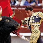 """Enrique Ponce es uno de los toreros más admirados por Samuel Flores, a quien llama el """"emperador del toreo""""."""