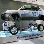 Distintas empresas del sector del automóvil están empezando a probar en sus coches el hidrógeno como energía.