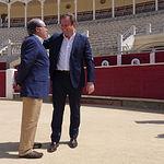 Vicente Casañ, alcalde de Albacete, y Javier López-Galiacho, en la presentación de este último como pregonero de la Feria Taurina de Albacete 2019. Foto: La Cerca - Manuel Lozano García