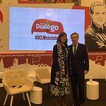 Iñaki Gabilondo y Blanca Fernández durante el Primer Diálogo UCLM Sociedad y Segundo Desayuno de la Asociación de Periodistas de C Real.