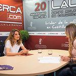 Ana García Blanco, Doctora en Psicología Clínica, junto a la periodista Miriam Martínez