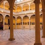 Claustro del Monasterio de la Encarnación en Albacete, hoy convertido en Centro Cultural.