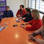 Núñez se reúne con la Asociación de Padres de Niños Autistas de Guadalajara.
