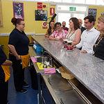 Patricia Franco y Javier Cuenca durante la visita al Taller de Empleo LAGAR