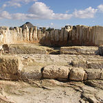 Ábside de la basílica situada en el yacimiento del Tolmo.