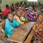 El país de Burkina Faso, en el África Subsahariana, es uno de lo objetivos de la Fundación. En la imagen una escuela de niños.