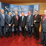 AMIAB, con su presidente a la cabeza Emilio Sáez (2ºi), y el doctor Julio Antonio Virseda (4ºi) fueron los premiados en la Edición del año 2006. En la foto junto, a las autoridades que les hicieron entrega de los galardones.