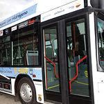 Cuando se implanten las Tecnologías del Hidrógeno, el motor de combustión interna desaparecerá y finalmente pasaremos a vehículos de propulsión eléctrica. Foto: Un autobús movido con hidrógeno.