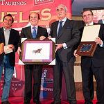"""El Premio """"SAMUELES"""" Al toro más bravo ha recaído en la ganadería de Daniel Ruiz por  """"Morisquito""""."""