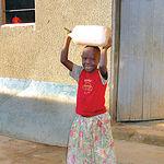 El acceso al agua resulta vital para la especie humana, lamentablemente no todos los seres humanos se la pueden permitir.