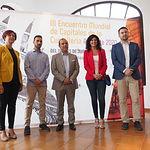 El presidente de las Cortes de Castilla-La Mancha, visita el Salón de la Cuchillería en la Feria de Albacete. Foto: La Cerca - Manuel Lozano Garcia
