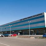 El Hospital General de Almansa da servicio, a parte de a los más de 25.000 habitantes de la ciudad, a varios municipios de la provincia, así como a los pacientes del Valle de Ayora que lo deseen.