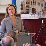 María Dolores Cospedal, ministra de Defensa, en la Presentación de la nueva emisión  del sello de Correos de la de la serie 'Efemérides' que conmemora el centenario de la Plaza de Toros de Albacete