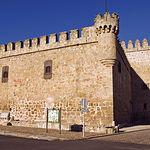 Durante las Guerras de las Comunidades, el Castillo de Orgaz fue incendiado por las tropas de Carlos V porque en él se habían refugiado los vecinos del pueblo partidarios de los comuneros.