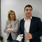 Carmen Picazo, portavoz del Grupo Municipal Ciudadanos en al Ayuntamiento de Albacete, junto al portavoz del Grupo Municipal PSOE, Modesto Belinchón, durante la presentación del acuerdo de presupuestos del Ayuntamiento de Albacete