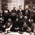 Vendedores ambulantes de navajas en Albacete a mediados del siglo XX.