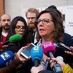 Victoria Delicado, número dos al Congreso por Unidas Podemos en Albacete, durante la tradicional Pegada de Carteles de las Elecciones Generales del 28A