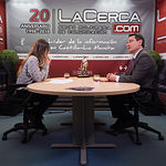 Rodolfo Bernabéu, director de la Escuela Técnica Superior de Ingenieros Agrónomos y de Montes en Albacete, junto a la periodista Miriam Martínez