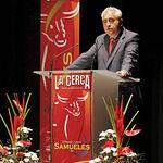 Manuel Lozano, director de La Cerca, durante su discurso en el Teatro Circo.