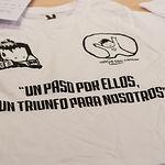 """Camiseta """"Un paso por ellos, un triunfo para nosotros"""""""