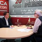 Santiago Cabañero, presidente de la Diputación Provincial de Albacete, junto a Manuel Lozano, director del Grupo Multimedia de Comunicación La Cerca.