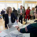 María Dolores Arteaga, candidata de Ciudadanos al Congreso por Albacete, ejerciendo su derecho al Voto.