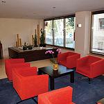 Junto al magnífico piano, se encuentra este coqueto salón para el relax de los clientes del hotel Los Llanos.