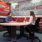 Francisco José Casamayor, candidato al Congreso por Unidas Podemos en Albacete, junto a la periodista Carmen García