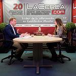 Vicente Casañ, candidato a la alcaldía de Albactee por Ciudadanos, junto a la periodista Carmen García