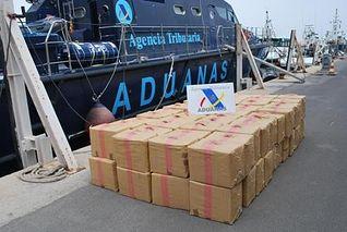 Alijo interceptado (Foto del Ministerio de Hacienda y AP)