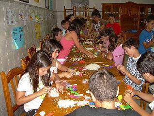NIños y niñas en Piedraescrita