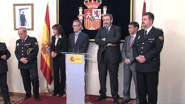 José Francisco Roldán (1º Drcha.), con autoridades locales y regionales, en la toma de posesión como Comisario Jefe de la Policía Nacional de Albacete, en la subdelegación del Gobierno de la localidad, el 29 de diciembre de 2010.